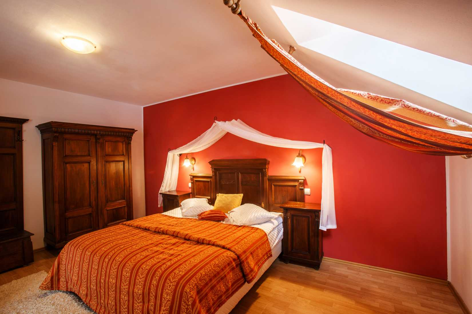 Camera Dracul Danes